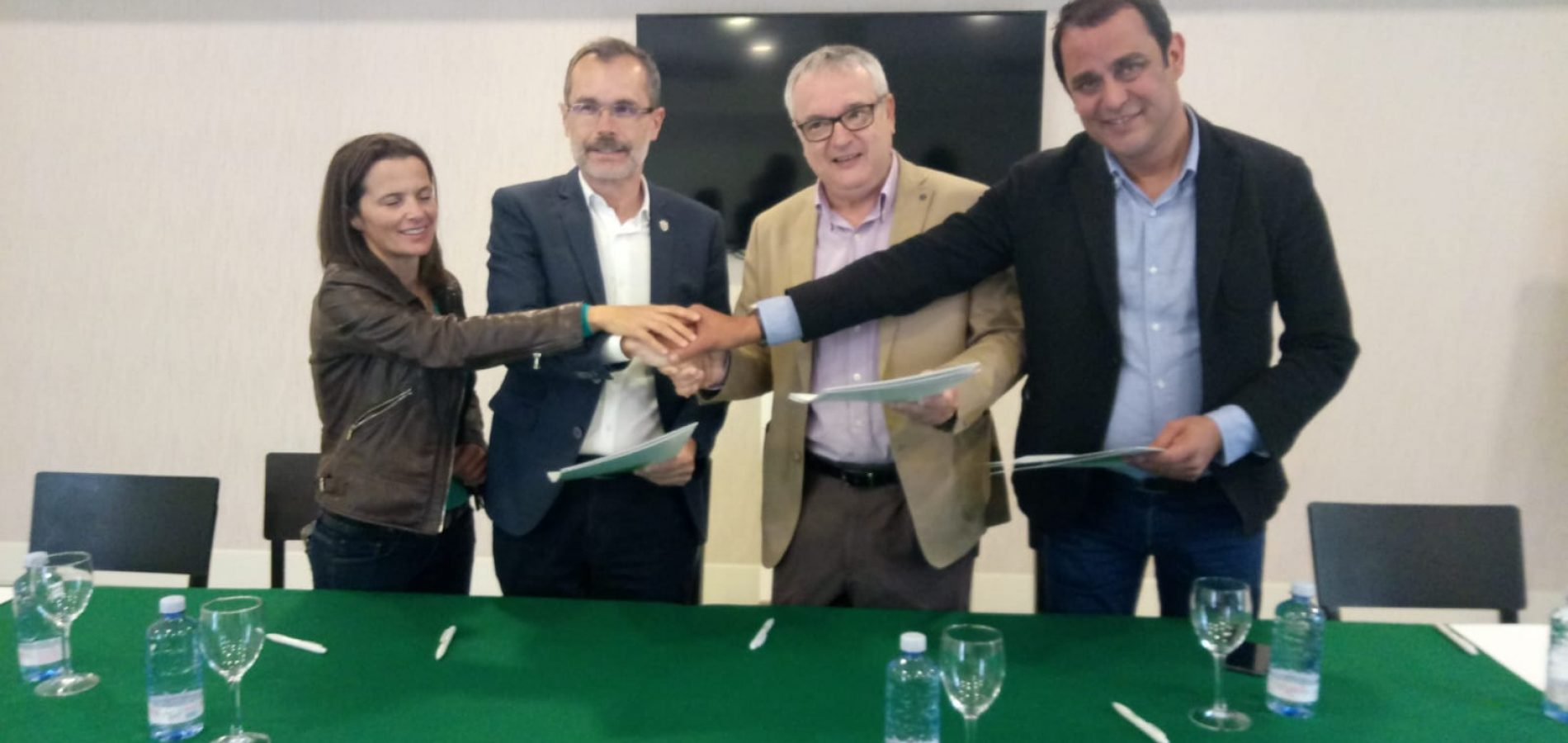 El Cabildo impulsa proyectos presentados por AECA.